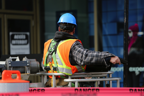 2014-11-Life-of-Pix-free-stock-photos-montreal-city-construction-man-leeroy copy