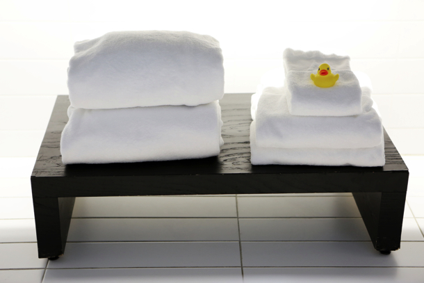 2014-11-Life-of-Pix-free-stock-photos-towel-hotel-bath-duck-leeroy copy