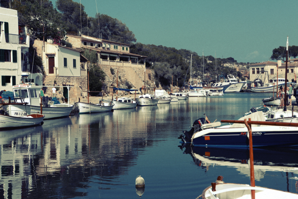 2015-04-Life-of-Pix-free-stock-photos-port-boats-calm-village-leeroy copy